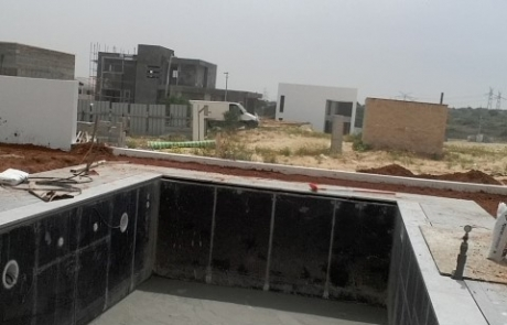 בניית בריכה בוילה בקיסריה